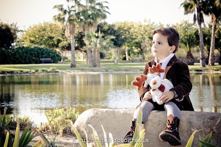 niño en el parque Elda